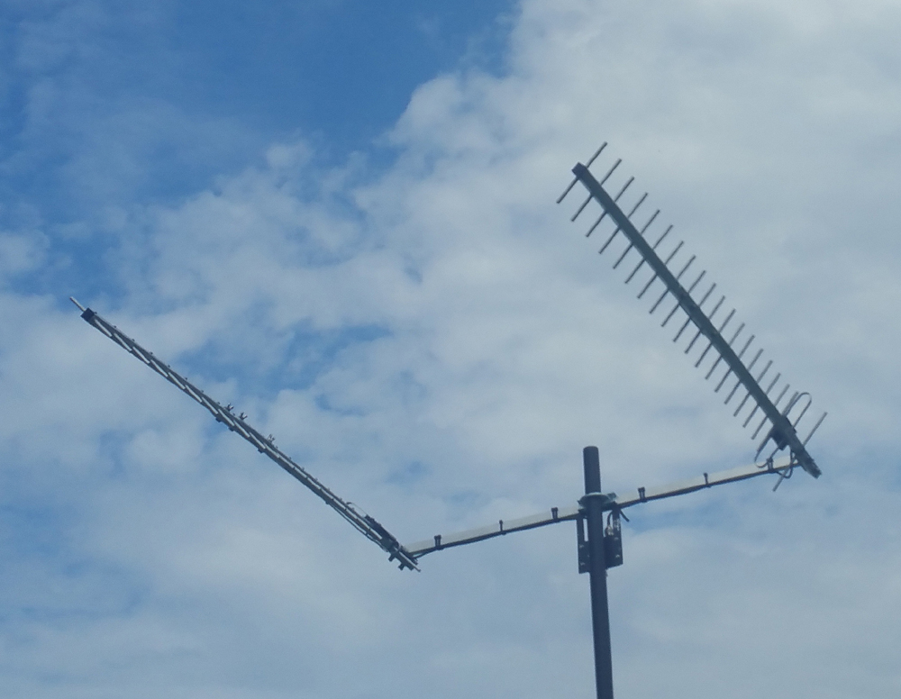 Twin Peak Pro PLUS G Spotter Duel YAGI Array mounted in a remote location